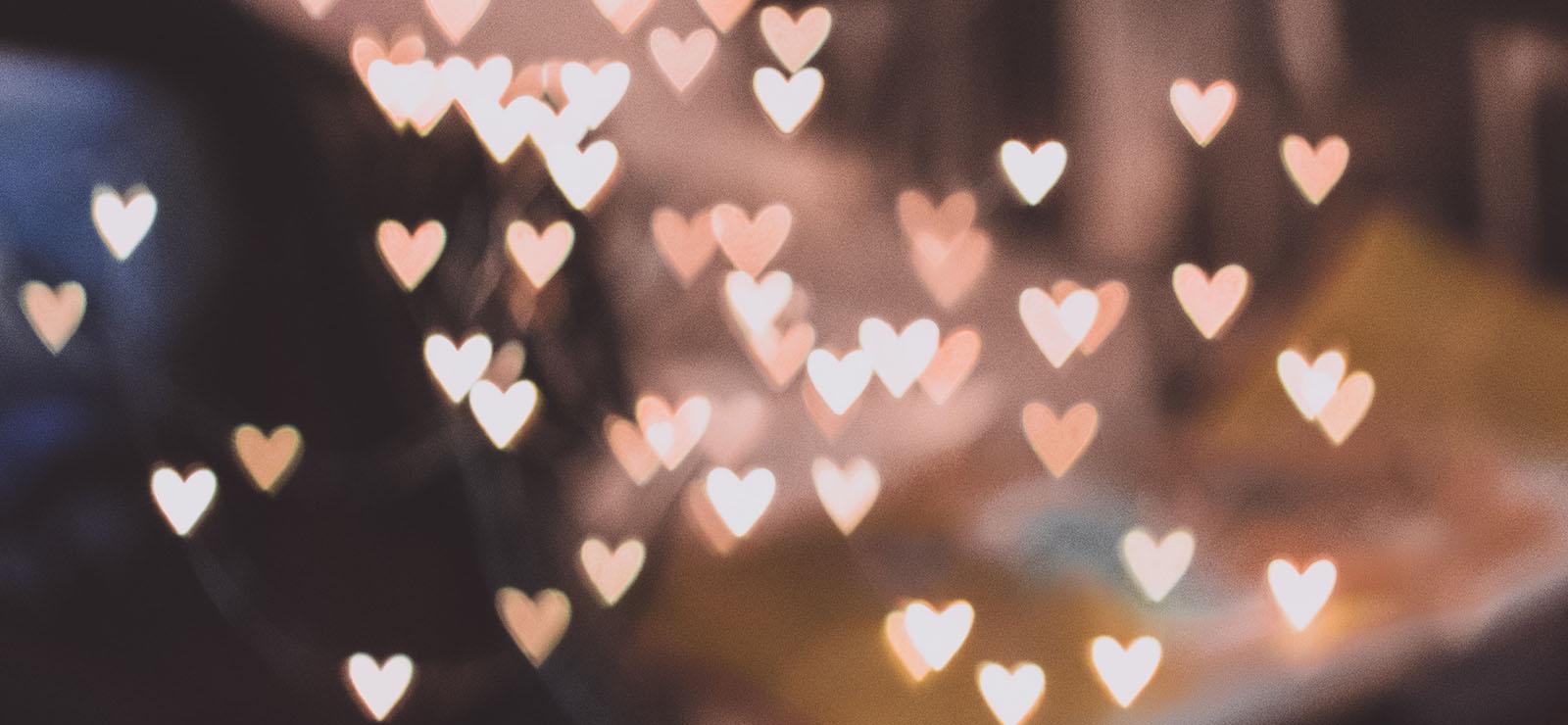 恋愛相談におすすめの当たる占い。悩み別に占術を選ぼう!タロット、占星術、ジオマンシーなど。