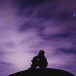 紫(パープル)のスピリチュアル、風水的エネルギーとは。紫の効果、開運グッズ。