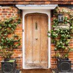 【風水】玄関マットで開運、金運アップ!色や形、素材の正しい選び方