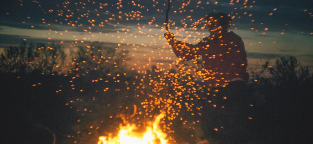 火事の夢は悪い出来事が起こる暗示?