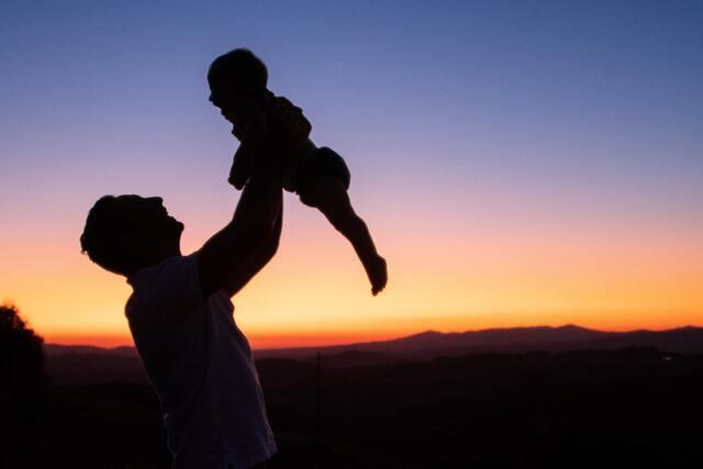 【夢占い】父親が死ぬ夢の意味!親が死ぬ夢は縁起がいい?