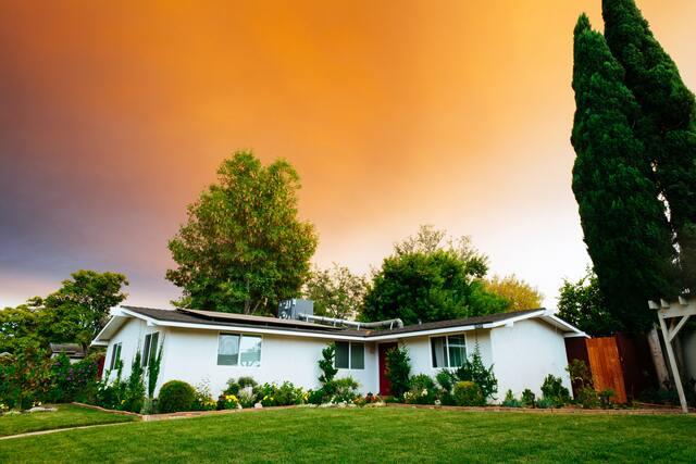 家の夢の意味 壊れる・倒れる・買うなど10の状況を解説