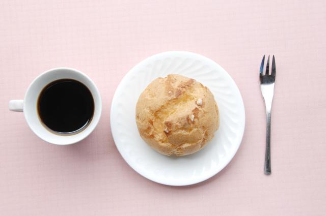 シュークリームの夢は運気を暗示?食べる・もらうなどの状況別の意味
